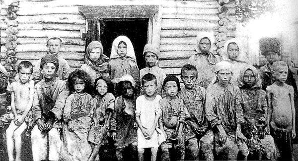 Russian-famine-children0321.jpg